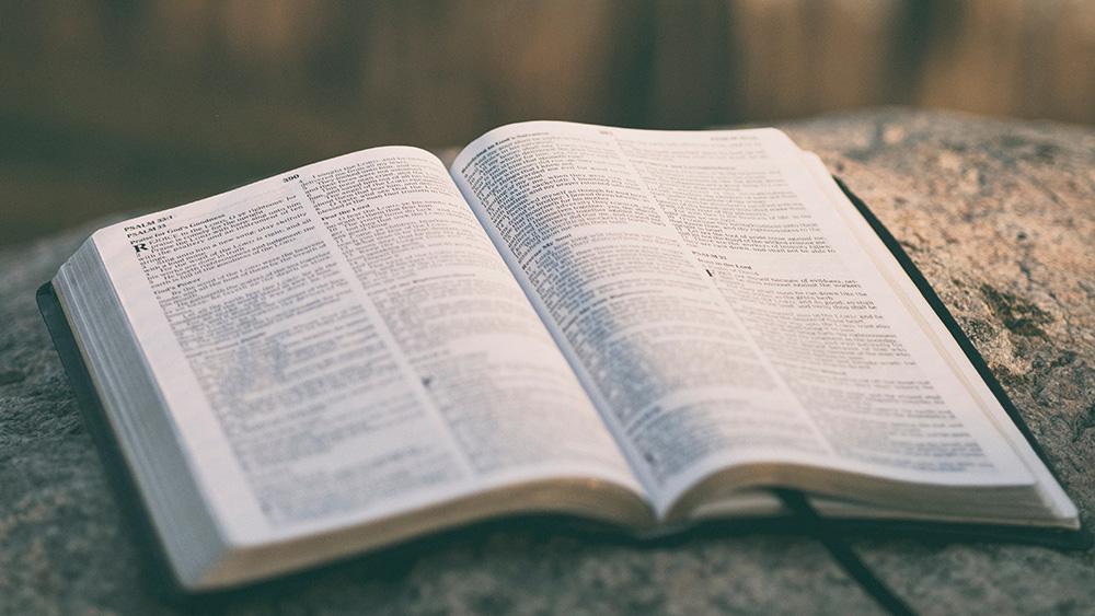 10 Danh Xưng Của Đức Chúa Trời Trong Kinh Thánh